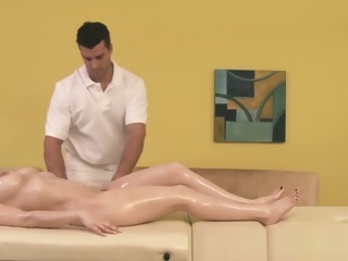 Massageparlour amateur tasting cum straight babe